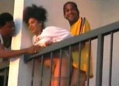 Fudendo a vizinha na varanda